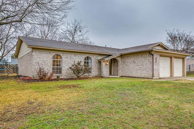 9720 Leland Lane, Benbrook, TX 76126 (MLS #14502220) :: Hargrove Realty Group