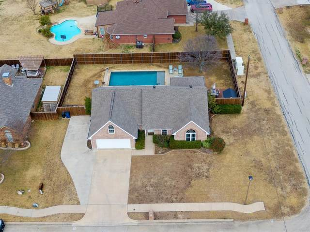 200 White Wing Drive, Krum, TX 76249 (MLS #14502313) :: RE/MAX Pinnacle Group REALTORS