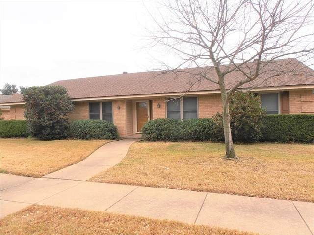 2810 Whispering Trail Circle, Pantego, TX 76013 (#14502424) :: Homes By Lainie Real Estate Group