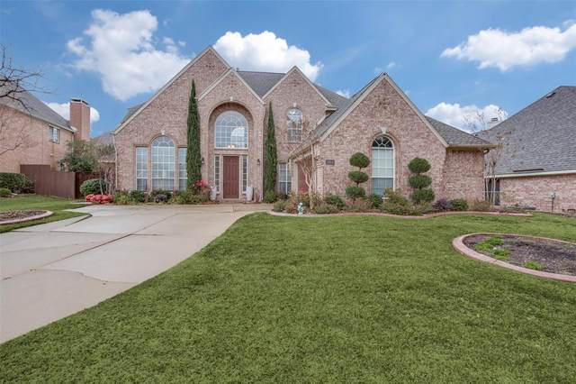 2824 Pond Wood Drive, Flower Mound, TX 75022 (MLS #14502430) :: The Mauelshagen Group