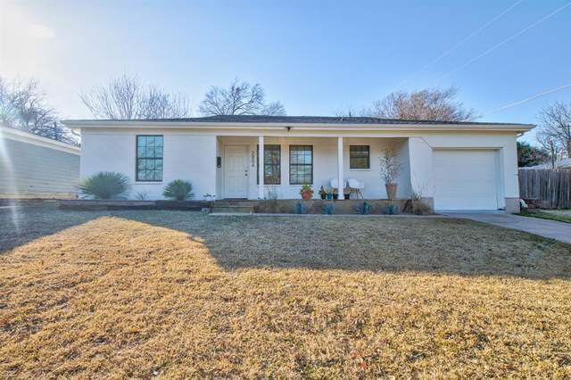 2804 Raton Drive, Fort Worth, TX 76116 (MLS #14502862) :: The Mitchell Group