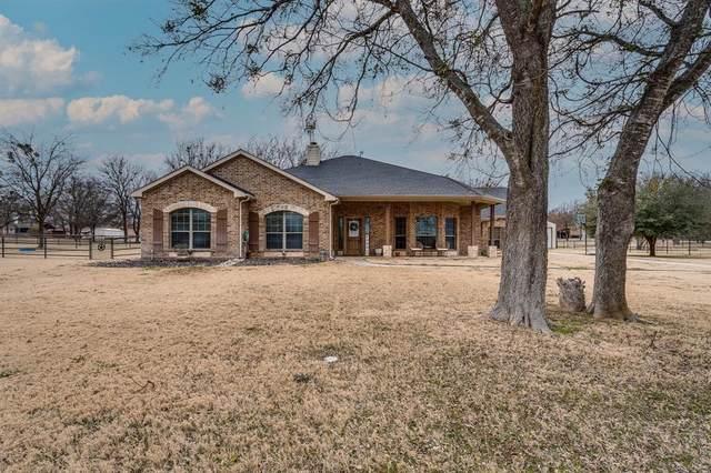 245 Fossil Rock Drive, Azle, TX 76020 (MLS #14502877) :: Team Hodnett