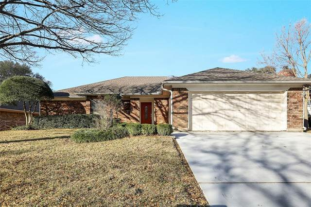 6208 Brookstone Drive, Arlington, TX 76001 (#14502904) :: Homes By Lainie Real Estate Group