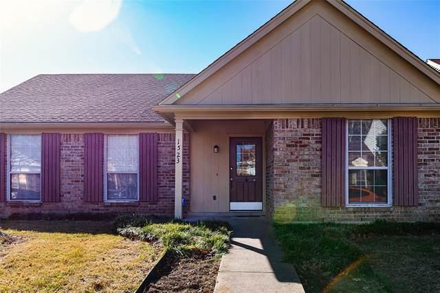 1523 Chapman Street, Cedar Hill, TX 75104 (MLS #14502987) :: The Hornburg Real Estate Group