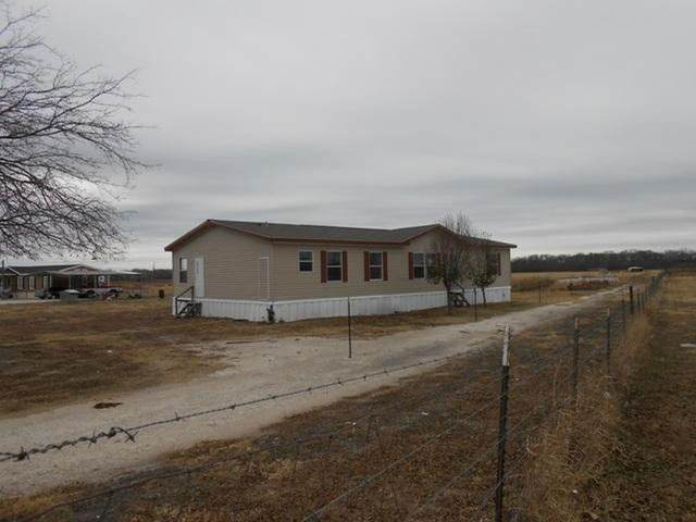 434 County Road 2146, Greenville, TX 75402 (MLS #14503052) :: The Kimberly Davis Group