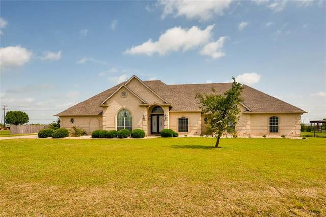 700 Lonesome Trail, Haslet, TX 76052 (#14503106) :: Homes By Lainie Real Estate Group