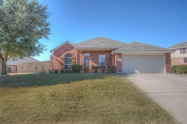 5845 Lamb Creek Drive, Fort Worth, TX 76179 (MLS #14503176) :: The Kimberly Davis Group