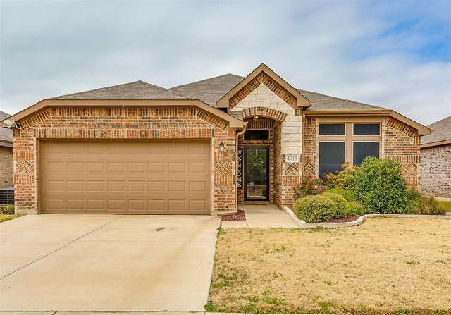 4713 Homelands Way, Fort Worth, TX 76135 (MLS #14503668) :: The Good Home Team