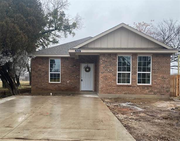 301 Peacock Street, Cleburne, TX 76031 (MLS #14503700) :: The Good Home Team