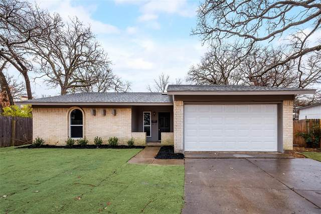 403 Twin Oaks Court, Euless, TX 76039 (MLS #14503912) :: The Mauelshagen Group