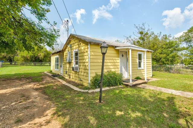 207 Stone Street, Granbury, TX 76048 (MLS #14504139) :: The Kimberly Davis Group