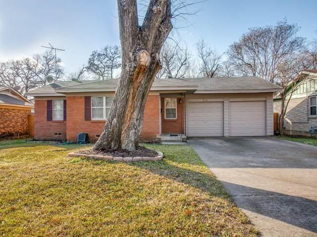 916 Ravenwood Drive, Arlington, TX 76013 (MLS #14504165) :: Hargrove Realty Group