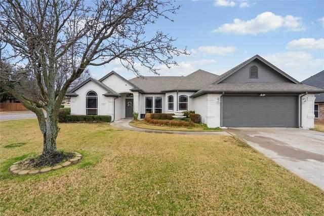 1101 Breanne Court, Burleson, TX 76028 (MLS #14504394) :: The Hornburg Real Estate Group