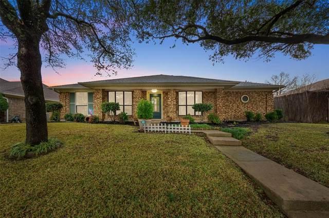 7317 Vineyard Drive, Plano, TX 75025 (MLS #14504442) :: RE/MAX Landmark