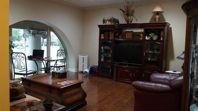 603 W 6th Avenue #202, Corsicana, TX 75110 (MLS #14504453) :: All Cities USA Realty