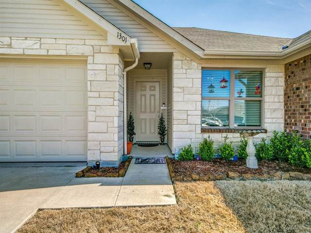 1301 Melody Circle, Kaufman, TX 75142 (MLS #14504478) :: The Kimberly Davis Group
