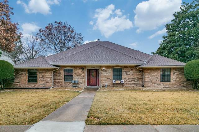 3702 Blain Drive, Rowlett, TX 75088 (MLS #14504980) :: The Good Home Team