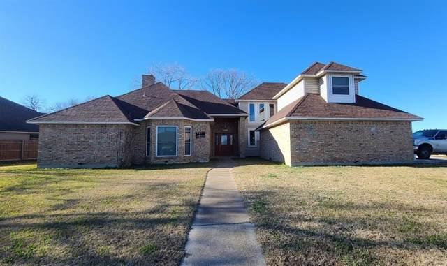400 Willow Road, Aubrey, TX 76227 (MLS #14505080) :: The Property Guys