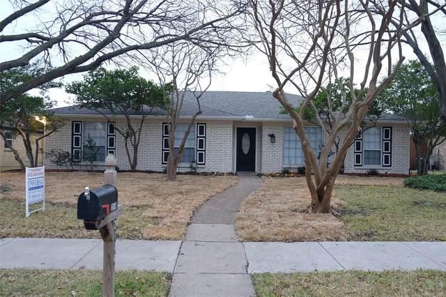 2104 Bengal Lane, Plano, TX 75023 (MLS #14505274) :: RE/MAX Landmark