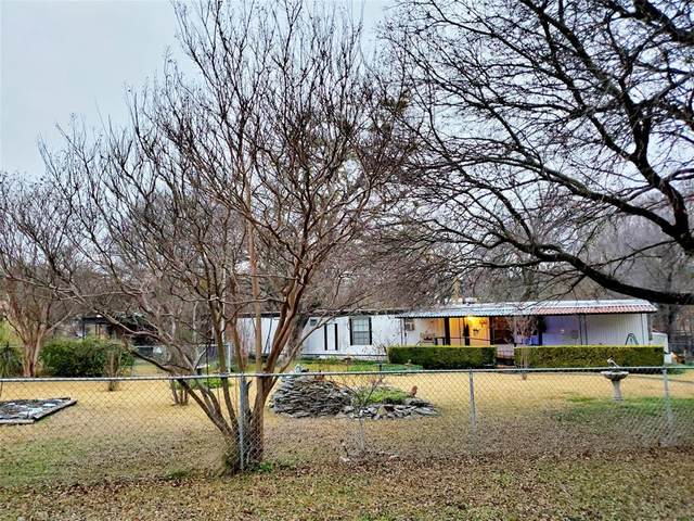 6099 Rolling Meadow Trail, Fort Worth, TX 76135 (MLS #14505589) :: NewHomePrograms.com