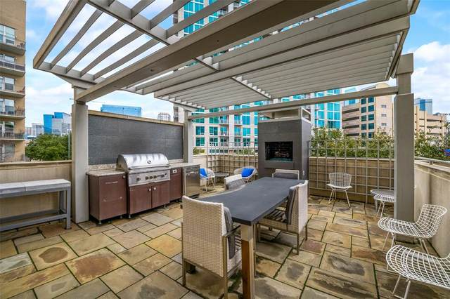 2323 N Houston Street #213, Dallas, TX 75219 (MLS #14506001) :: The Mauelshagen Group