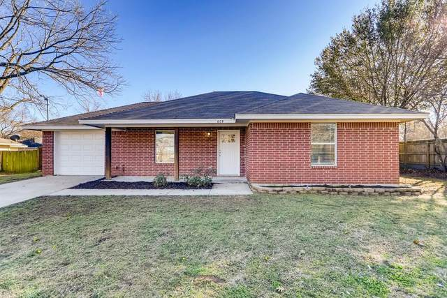609 Jacob Street, Pilot Point, TX 76258 (MLS #14506932) :: The Mauelshagen Group