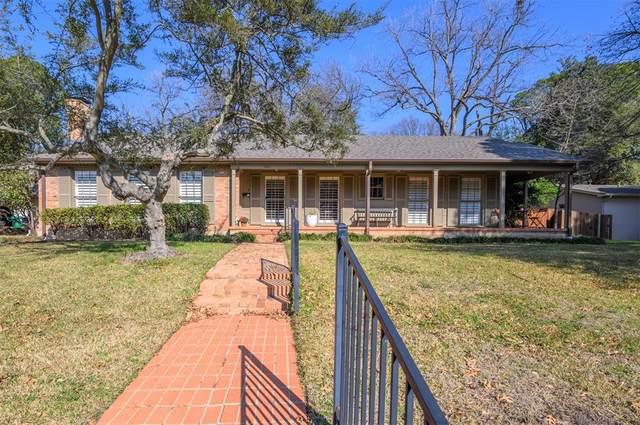 2222 Houston Place, Denton, TX 76201 (MLS #14509712) :: Robbins Real Estate Group