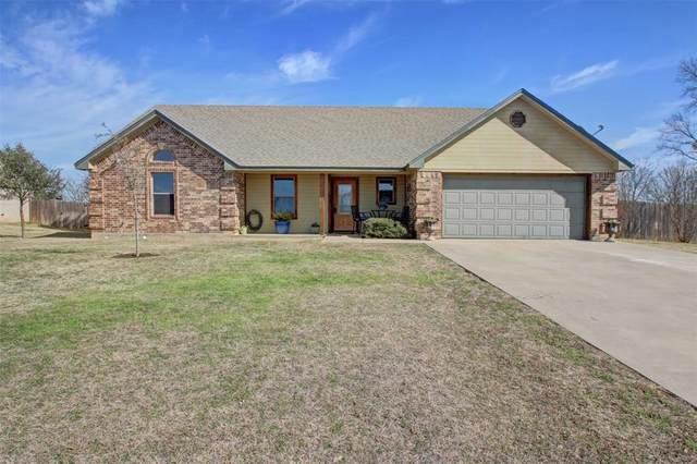 902 El Campo Drive, Rio Vista, TX 76093 (MLS #14510233) :: The Chad Smith Team