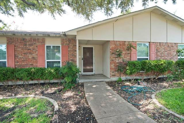 6409 Fort Scott Court, Plano, TX 75023 (#14510570) :: Homes By Lainie Real Estate Group