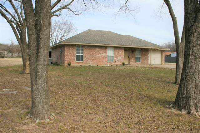704 Walnut Creek Drive, Springtown, TX 76082 (MLS #14513065) :: All Cities USA Realty