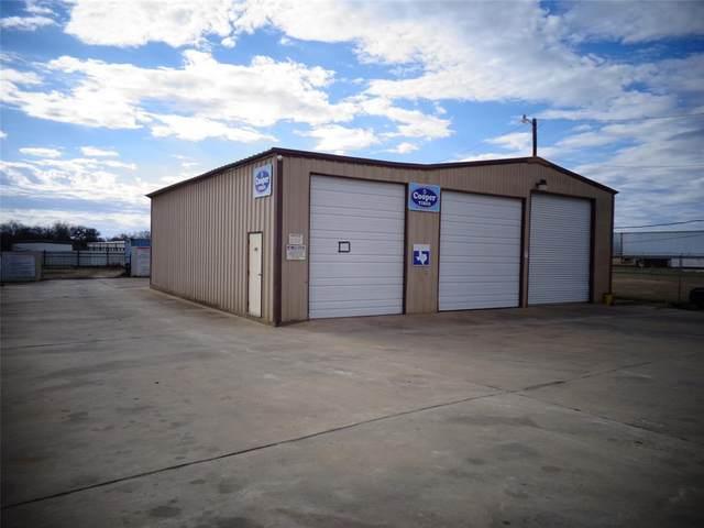 108 W Gillum Street, Grandview, TX 76050 (MLS #14514291) :: All Cities USA Realty