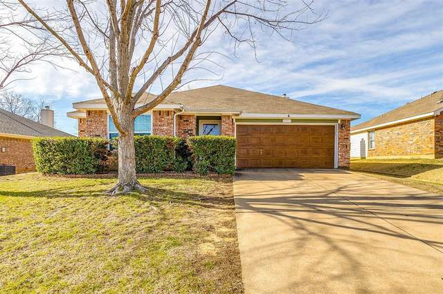 821 Beaver Creek Drive, Burleson, TX 76028 (MLS #14514638) :: Robbins Real Estate Group