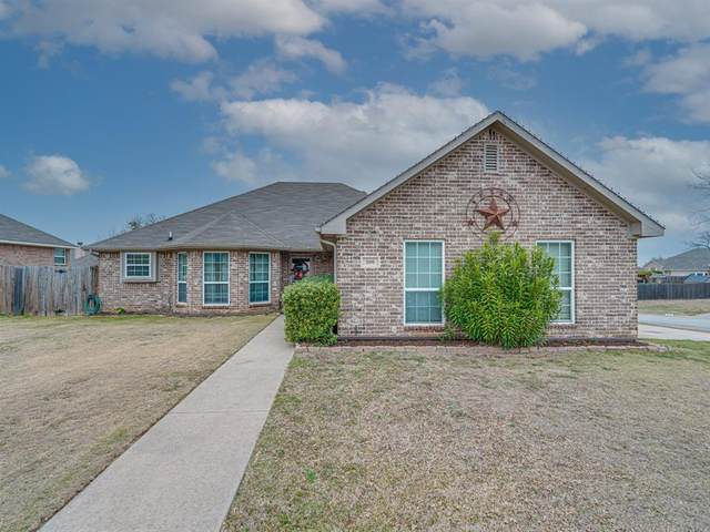 300 Catherine Street, Joshua, TX 76058 (#14515129) :: Homes By Lainie Real Estate Group