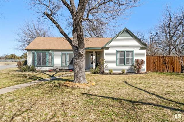 2200 1st Street, Brownwood, TX 76801 (#14515398) :: Homes By Lainie Real Estate Group