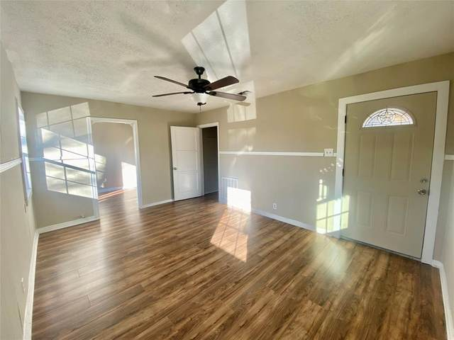 554 Loraine Circle, Greenville, TX 75401 (#14516130) :: Homes By Lainie Real Estate Group