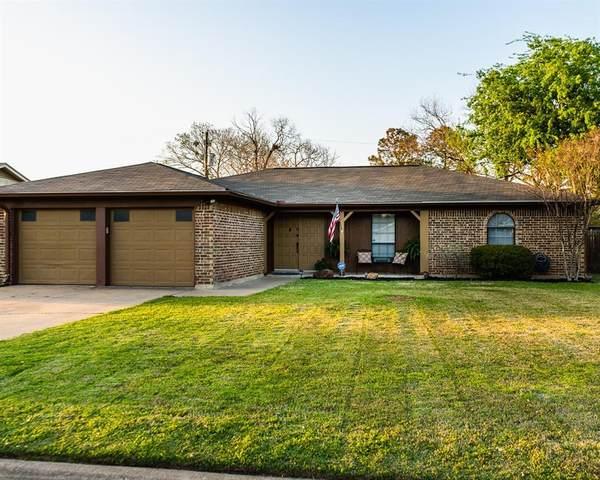 8417 Randy Drive, North Richland Hills, TX 76182 (MLS #14516808) :: The Chad Smith Team