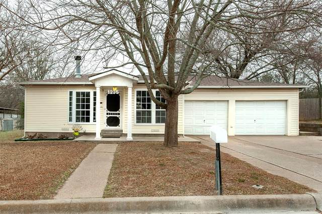 1235 W Ball Street, Weatherford, TX 76086 (MLS #14518286) :: Team Tiller
