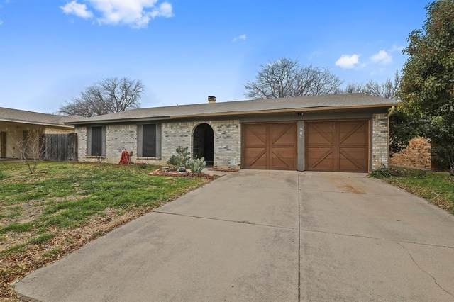 504 Normandy Lane, Saginaw, TX 76179 (MLS #14518313) :: Premier Properties Group of Keller Williams Realty