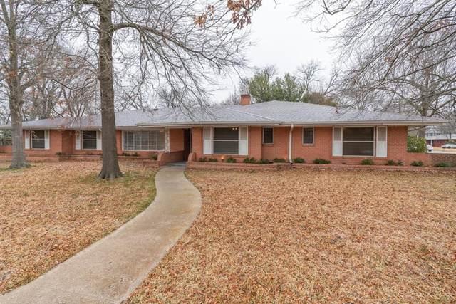 1800 Live Oak Street, Commerce, TX 75428 (MLS #14518467) :: The Kimberly Davis Group