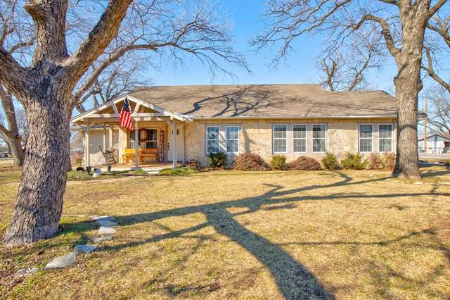 200 W 6th Street, Tolar, TX 76476 (MLS #14518916) :: The Kimberly Davis Group