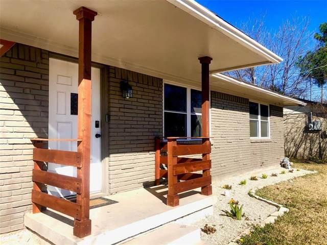 1303 Stratford Lane, Denton, TX 76209 (MLS #14519663) :: Trinity Premier Properties