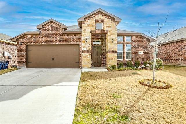 413 Sandhurst Drive, Fort Worth, TX 76036 (MLS #14519731) :: The Kimberly Davis Group