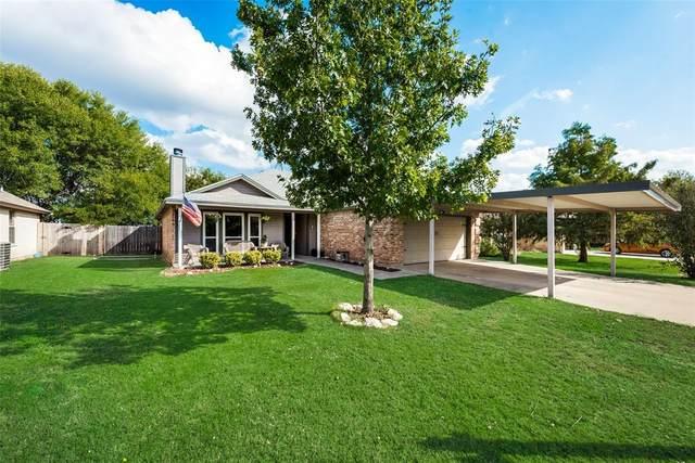 117 Troxell Boulevard, Rhome, TX 76078 (MLS #14519803) :: The Kimberly Davis Group