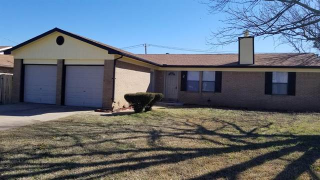 820 Hollow Creek Road, Burleson, TX 76028 (MLS #14520118) :: The Tierny Jordan Network
