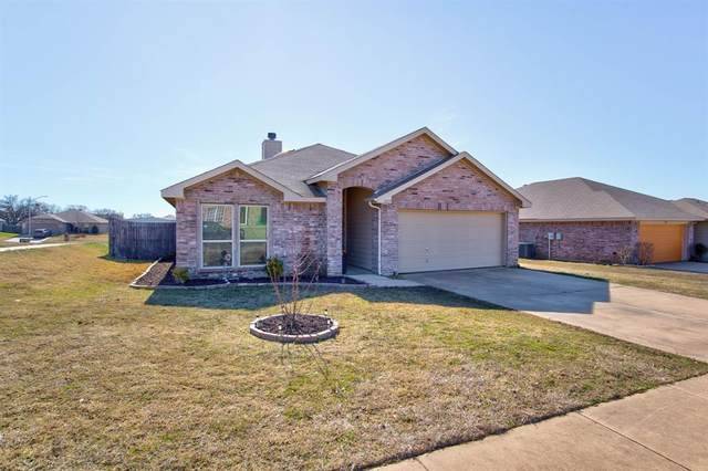 2517 Castle Pines Drive, Burleson, TX 76028 (MLS #14520214) :: All Cities USA Realty