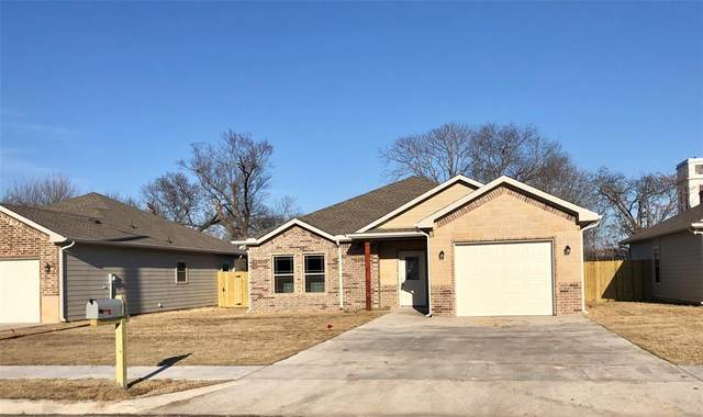 521 S Montgomery Street, Sherman, TX 75090 (#14520219) :: Homes By Lainie Real Estate Group