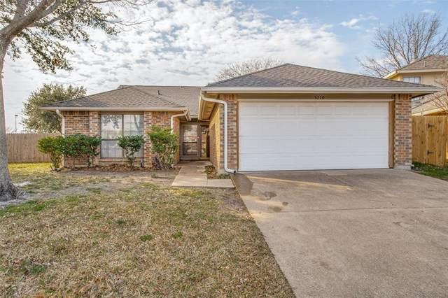 5210 Tuscola Drive, Arlington, TX 76018 (MLS #14520445) :: The Kimberly Davis Group
