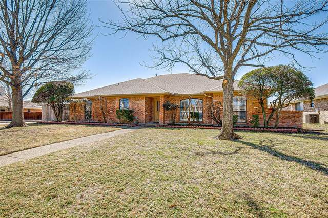 2506 Honeysuckle Drive, Richardson, TX 75082 (#14520564) :: Homes By Lainie Real Estate Group