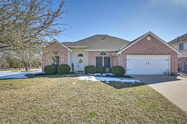 1142 Pheasant Drive, Midlothian, TX 76065 (MLS #14520598) :: The Kimberly Davis Group
