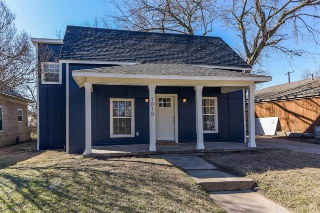 1010 W Chestnut Street, Denison, TX 75020 (MLS #14520701) :: Keller Williams Realty